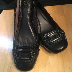 "Life stride black silver buckle size 11 1/2"" heel"